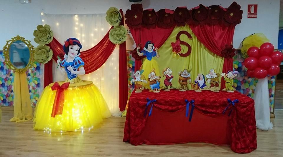 Decoraciones latinas barcelona baby shower candy bar - Lucio barcelona decoracion ...
